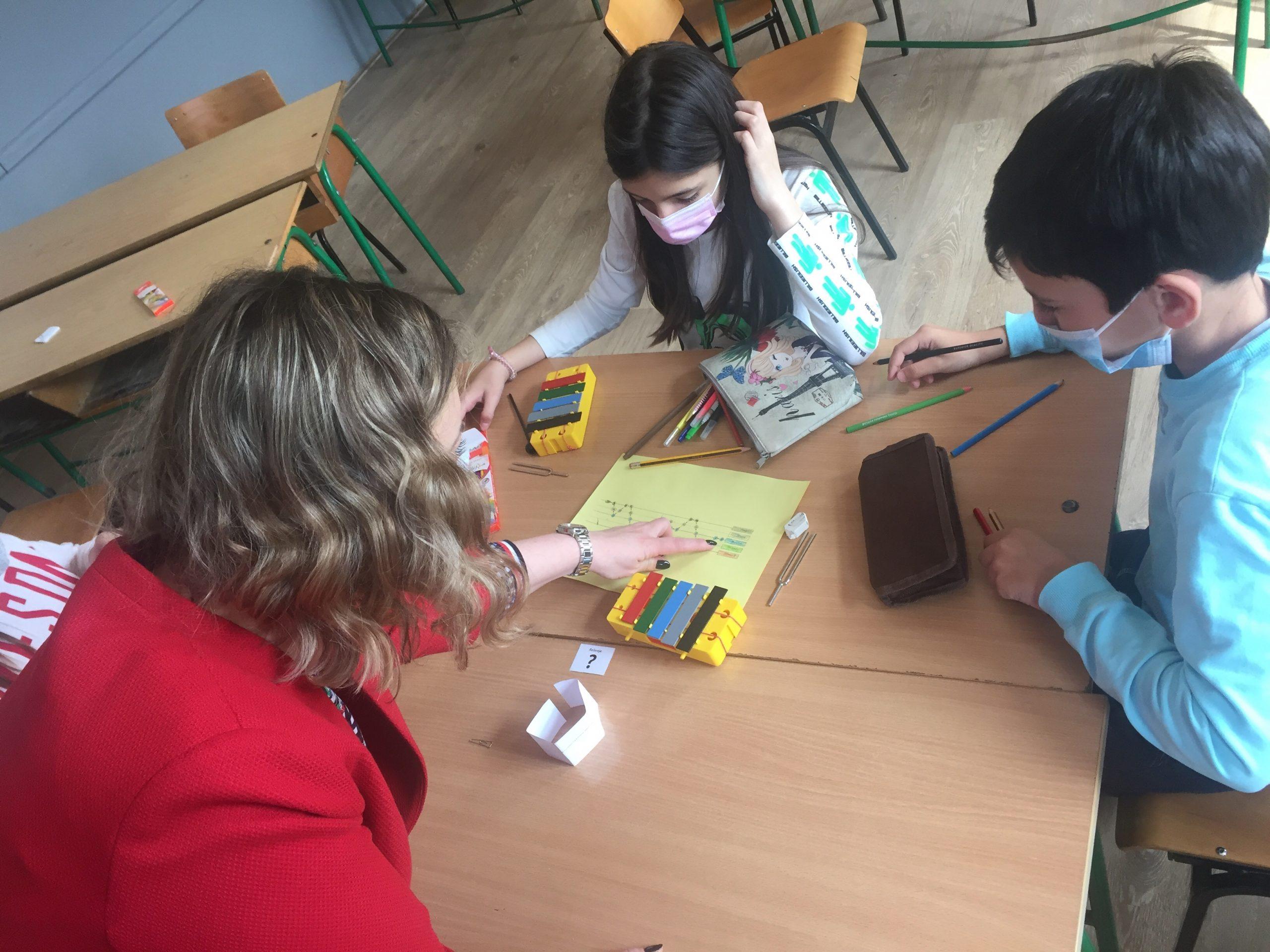 КОНЦЕРТ ЗА ФИЗИКУ И ДВА ЛОКВАЊА БЕЗ ПАЊА у Крагујевцу